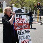 """Stop slaughter - dehorn poachers"""