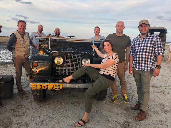 Julia Grass und andere Rhino-Africa-Mitarbeiter in Ostafrika